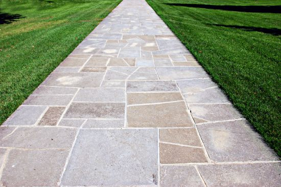 Choosing The Most Suitable Colors That Mix Your Stone Pavers Perfectly With Yard And House Is Important Part In Paving Project